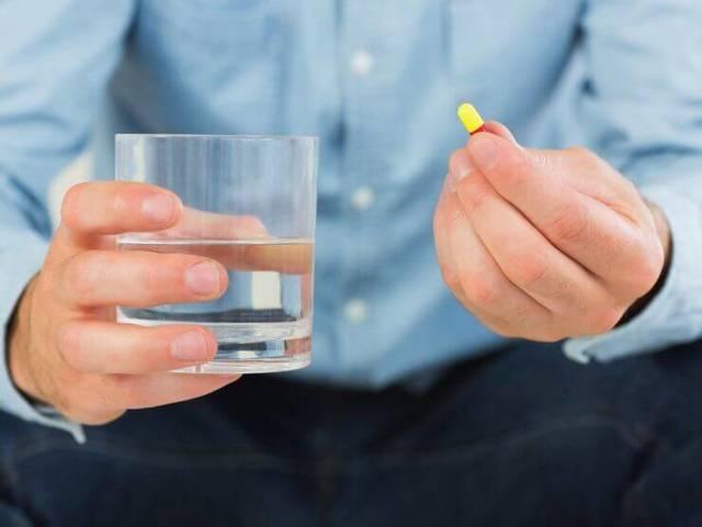 Кровь в сперме у мужчин: причины и лечение, что это означает?